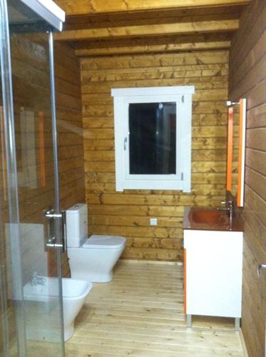 Casas de madera modelo elisa de 180 m2 for Tejados de madera precio m2