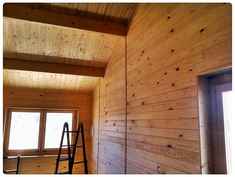 Colores para interiores de casas de madera for Casas con tablillas